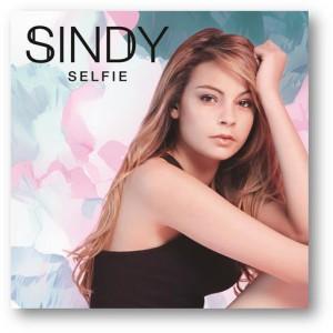 sindy-selfie